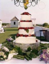 220x220_1281623874789-strawberrycake