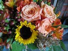 220x220 1244488459765 bouquet7