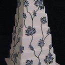 130x130_sq_1246633326904-purpleandblackrococcoweddingcake