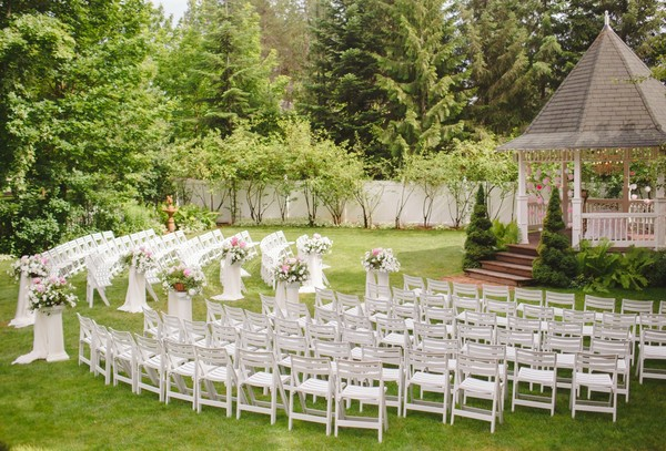 Outdoor Park Or Indoor Room For Wedding Ceremony: Deer Park, WA Wedding Venue
