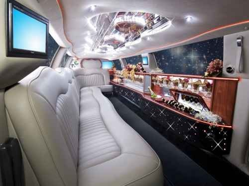 photo 1 of Royalty Limousines Inc.
