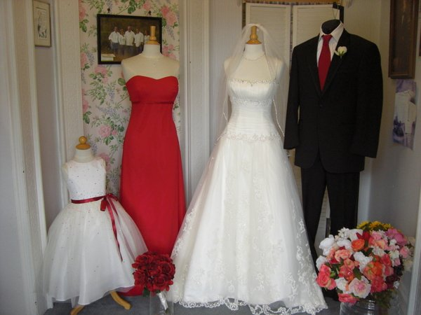Brides 39 n maids santa rosa ca wedding dress for Wedding dresses in santa rosa ca