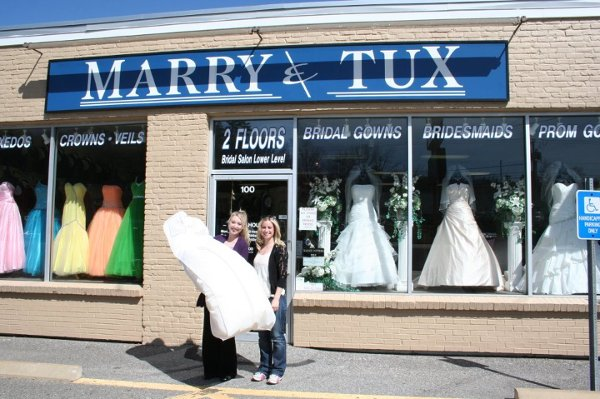 photo 4 of Marry & Tux