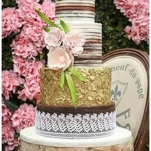 220x220 sq 1496945537 a2fc823a1accd8c1 1496937239759 miami custom wedding cakes0062