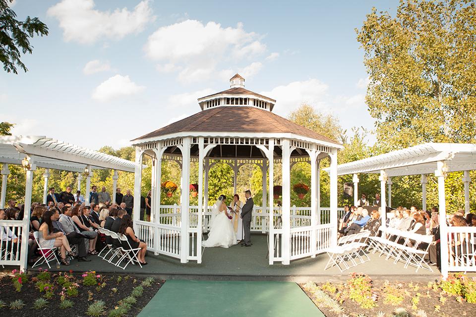 Rustic Hills Country Club Venue Medina Oh Weddingwire