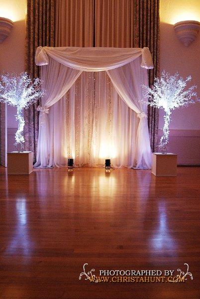 Diy Indoor Wedding Decorations : Indoor altar idea weddings