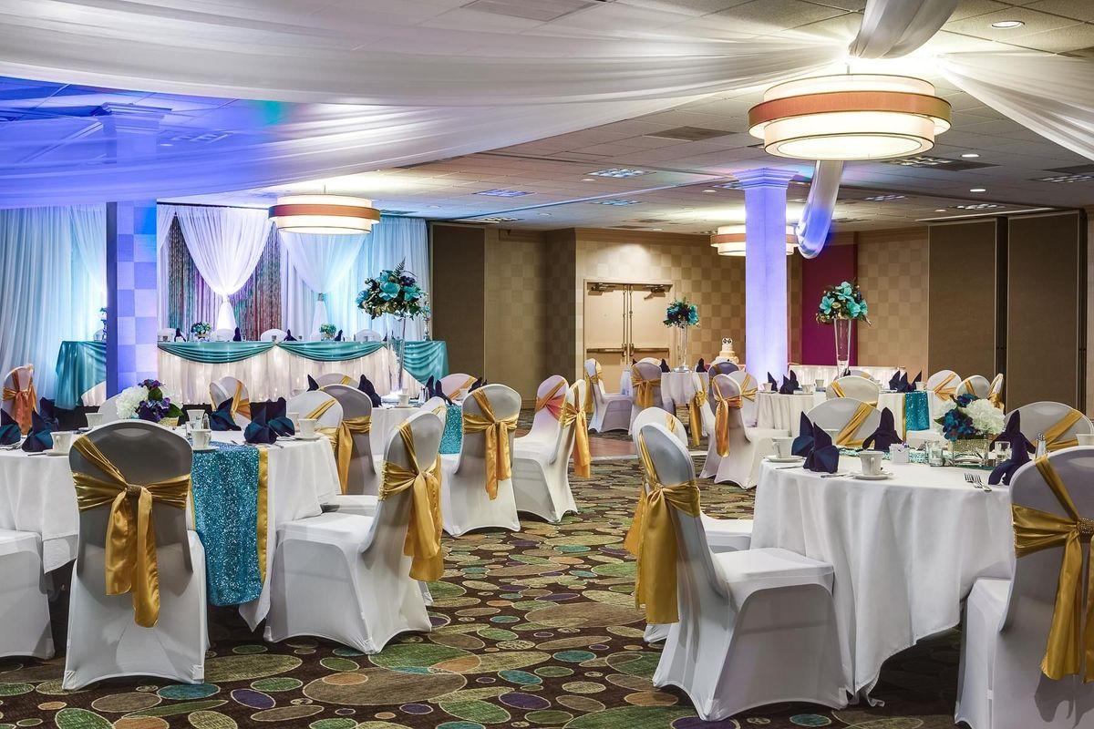 Holiday inn suites overland park west venue overland for Wedding venues in overland park ks