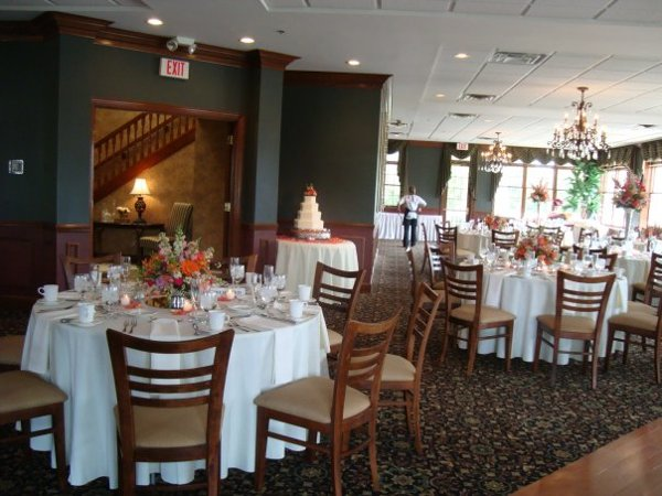 Pebble creek golf course event center cincinnati oh for Wedding dress rental cincinnati ohio