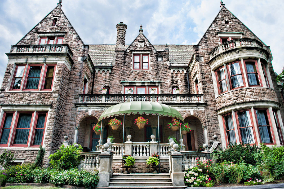 Stirling guest hotel venue reading pa weddingwire for Wedding dresses reading pa
