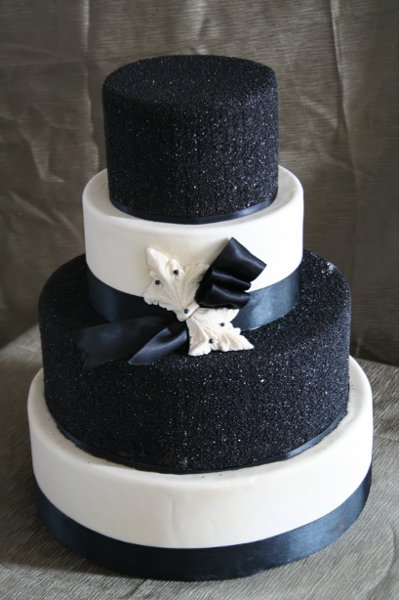 photo 2 of Rebecca's Wedding Cake Design