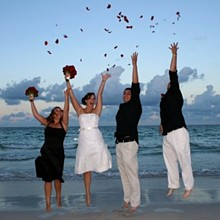 220x220 sq 1283001183280 justmarriedgroupjump