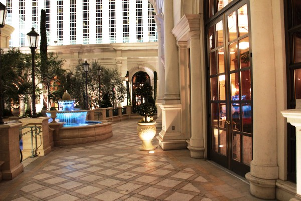 Thomas Keller S Bouchon Bistro Las Vegas Nv Wedding Venue