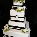 130x130 sq 1297974924062 blackwhiteweddingcakerental