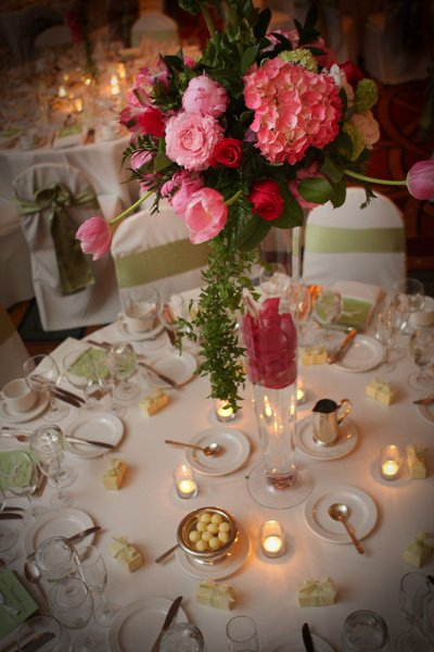 1258168363527 weddingimagescopyrightlisaorsi150 omaha wedding florist