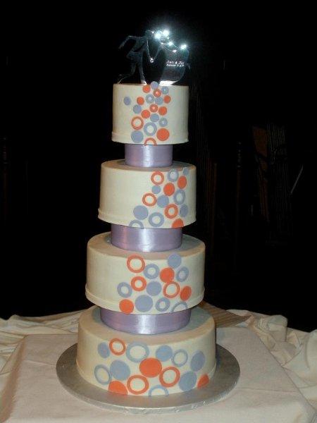1317067607142 circlewedding kansas city wedding cake. Black Bedroom Furniture Sets. Home Design Ideas