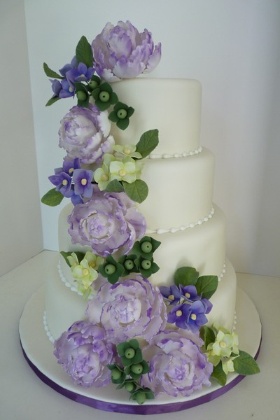 1417540952130 P1040760 Eliot wedding cake
