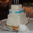 130x130_sq_1296091288534-cherriesweddingcake82110