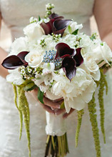 220x220 1414260337073 luren turners brides bouquet