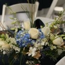130x130 sq 1256148018559 img3107centerpiece