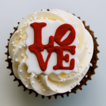 220x220 sq 1404408648653 love cupcakes main