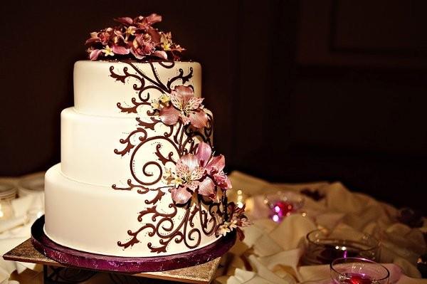 Burgundy Purple Fall Round Spring Wedding Cakes Photos