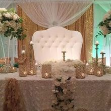 220x220 sq 1529348134 4cf9ff510ca5756a 1529348132 5e255e542f73f441 1529348117025 3 bridal party table
