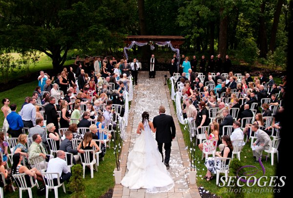 Stokesay castle reviews philadelphia venue for Wedding dresses reading pa