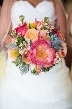 220x220 1462893495 f5cb9cfcf93a3d25 janelle bouquet web
