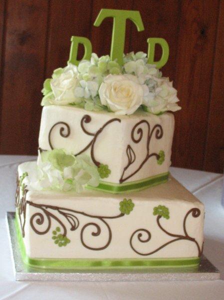 1318304024779 Winter032 Raleigh wedding cake