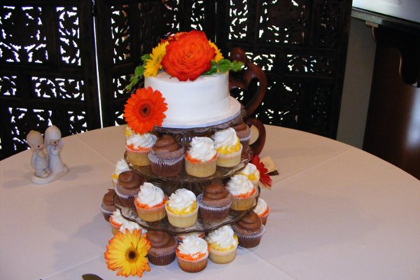 1318304339744 Cakesrus026 Raleigh wedding cake