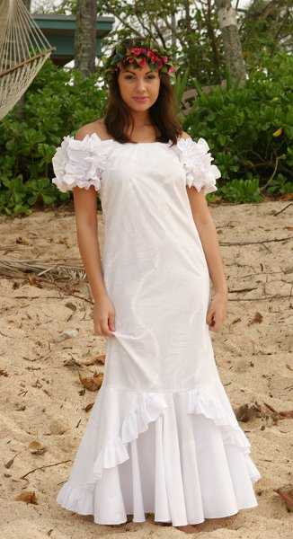 Hawaiian wedding shop reviews honolulu dress attire for Honolulu wedding dress rental