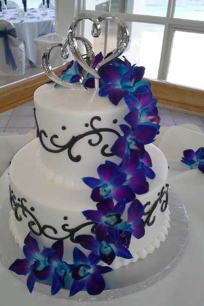 600x600 1384971107651 wedding cake white with black scroll electric blue. Black Bedroom Furniture Sets. Home Design Ideas