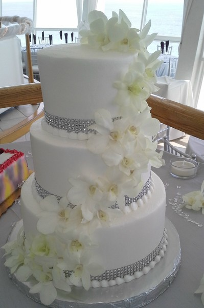 white wedding cake with gold bling a special touch cakes by carolynn petersburg fl 27410