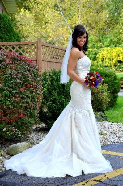 brooklyn bridal prom brooklyn mi wedding dress. Black Bedroom Furniture Sets. Home Design Ideas