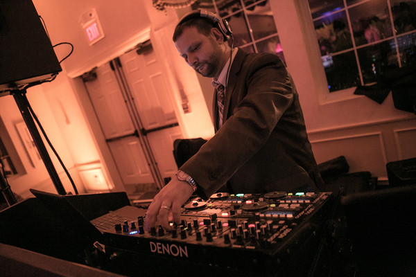 600x600 1456543440085 boston dj andy sussman