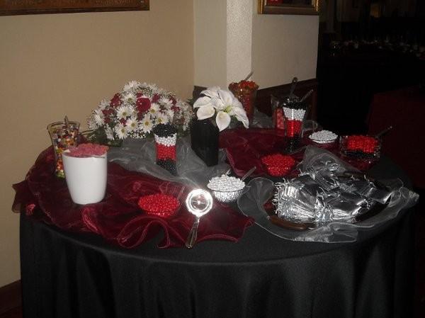 Black burgundy red silver centerpiece centerpieces edible