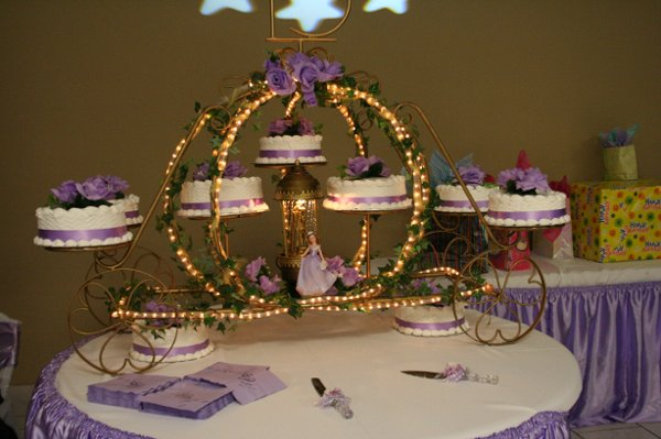 Jada S Designs Carriage Cake Stand Designer Photos Unique