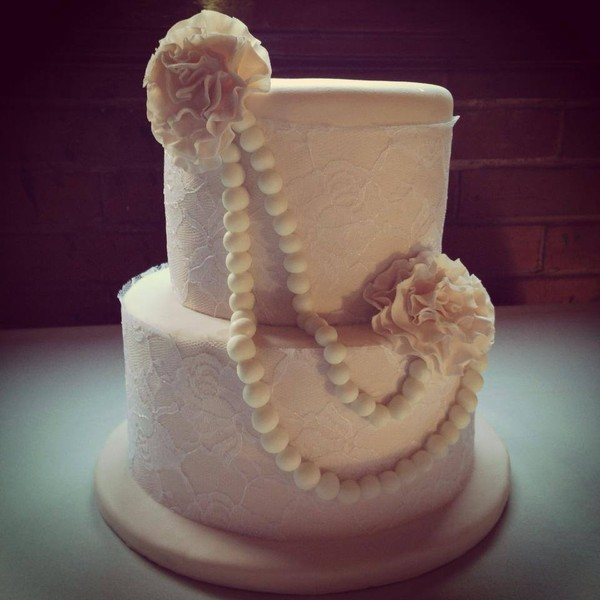 1450164101519756919660231685391881n st louis wedding cake