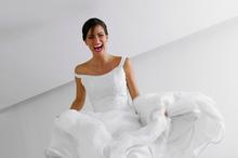 220x220 1454361784 071978031f644ed2 bride pink lips weddings