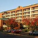130x130_sq_1267045249848-hotelfall