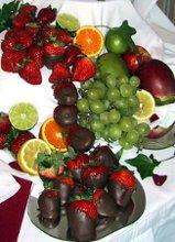 220x220 1268155794876 chocolatestrawberry2