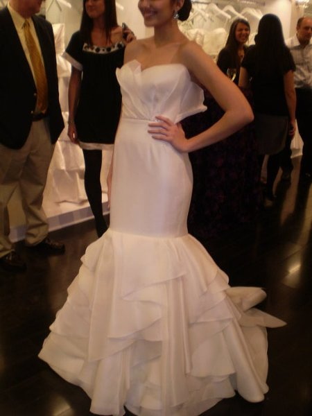 Laura 39 s couture alterations houston tx wedding dress for Wedding dress alterations houston