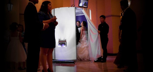 600x600 1431466901219 01rent a photo booth los angeles