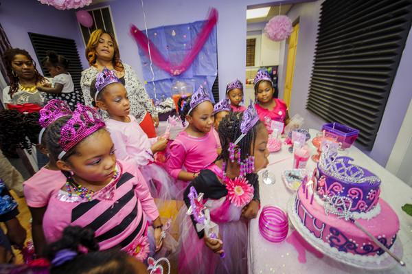 600x600 1467221042385 bailiy 6th birthday party final 551