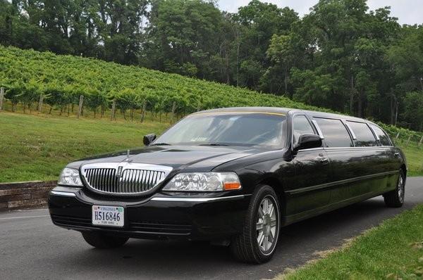 600x600 1431554855093 limo wine tour
