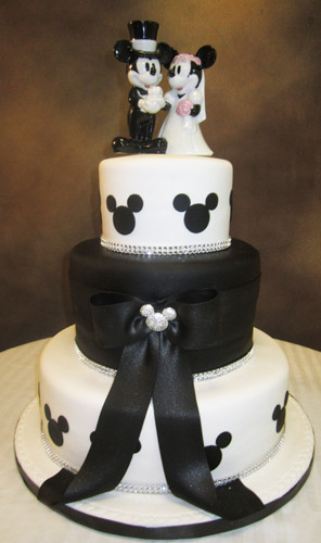 photo 83 of Edda's Cake Designs