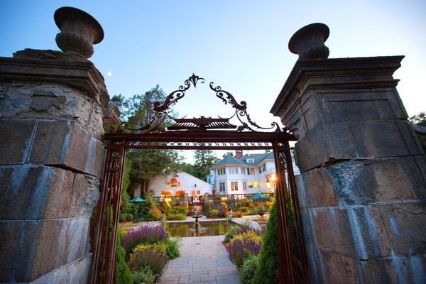 The Harding Allen Estate Barre Ma Wedding Venue