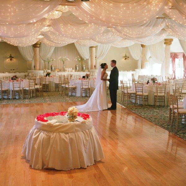 Unusual Wedding Venues Ma: Foxboro, MA Wedding Venue
