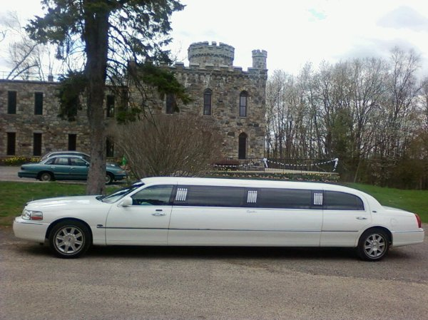 photo 18 of Lynette's Limousine Service, Inc.