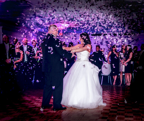 600x600 1478724669016 first dance with confetti